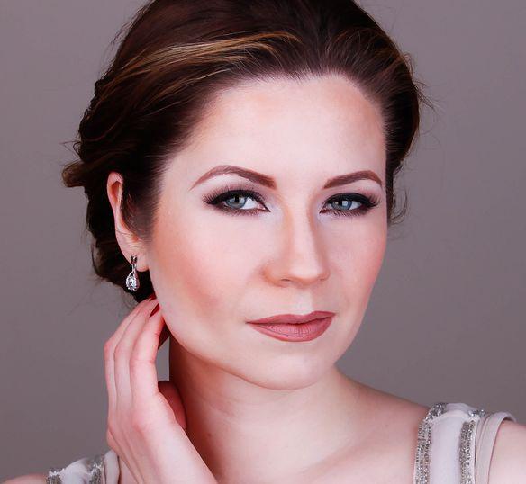 Angelina Jolie Inspired Makeup Tutorial 8
