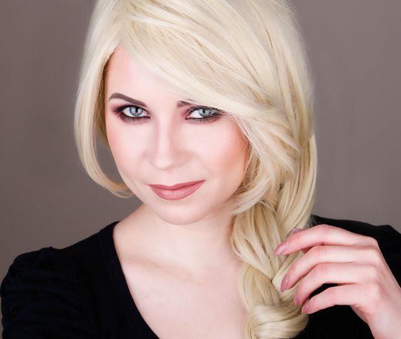 Makeup Look I Would Give Christina Aguilera 5