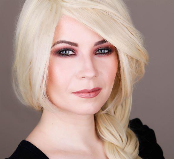 Makeup Look I Would Give Christina Aguilera 6