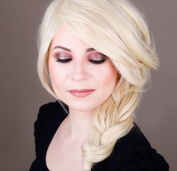 Makeup Look I Would Give Christina Aguilera 7
