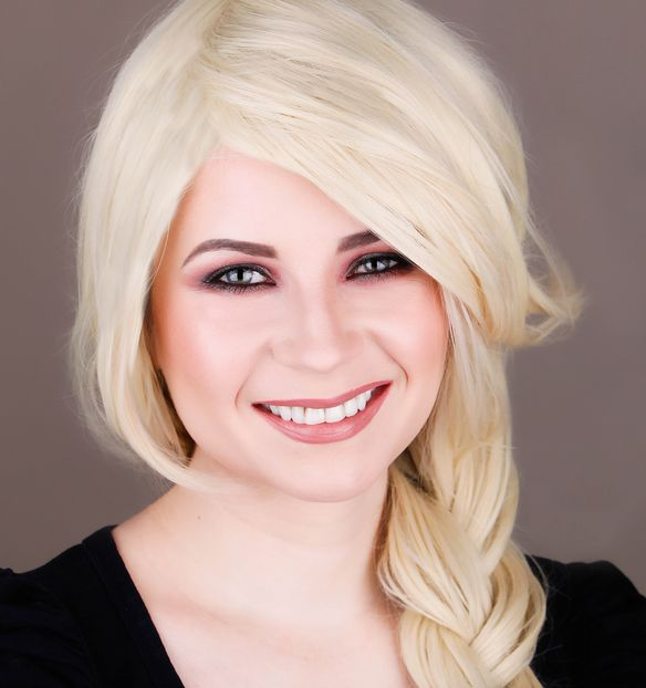 Makeup Look I Would Give Christina Aguilera 8