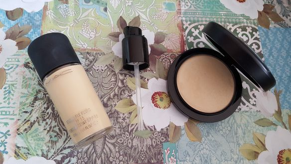 Mac Mineralize Skinfinish Natural Light  Mac Studio Fix Fluid NC 15 plus foundation pump
