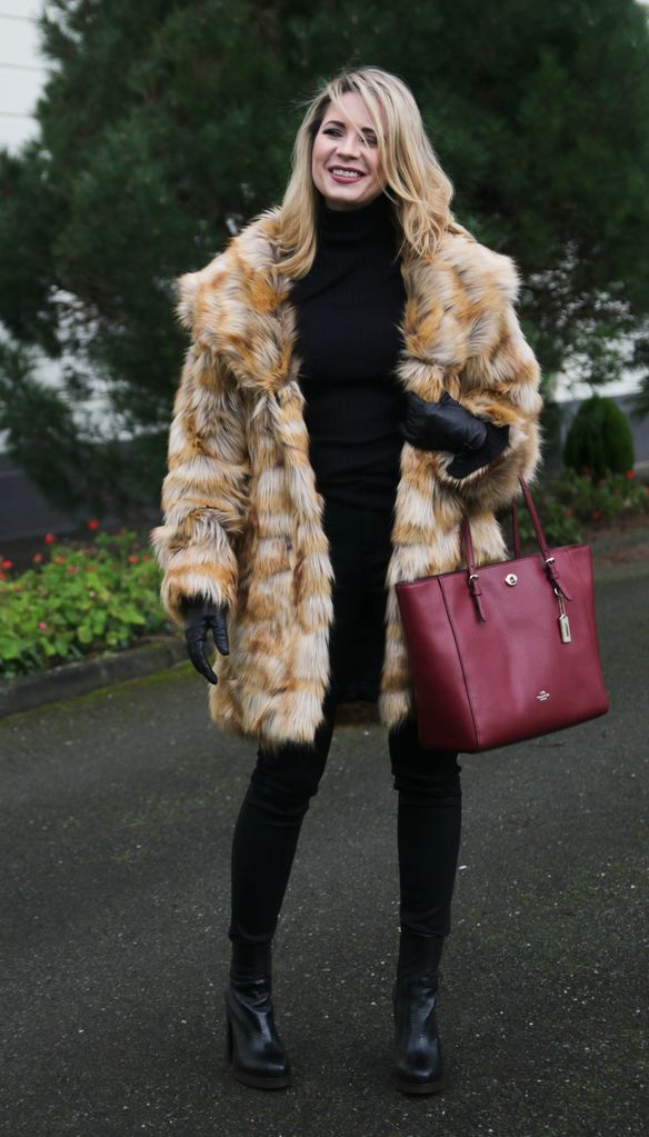 How to style and wear faux coat?