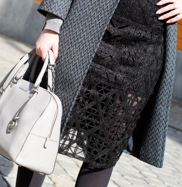 How To Wear  Lace Skirts, Black lace skirt, grey jumper, OOTD, fashion, beauty, blogger, lifestyle, blogger,